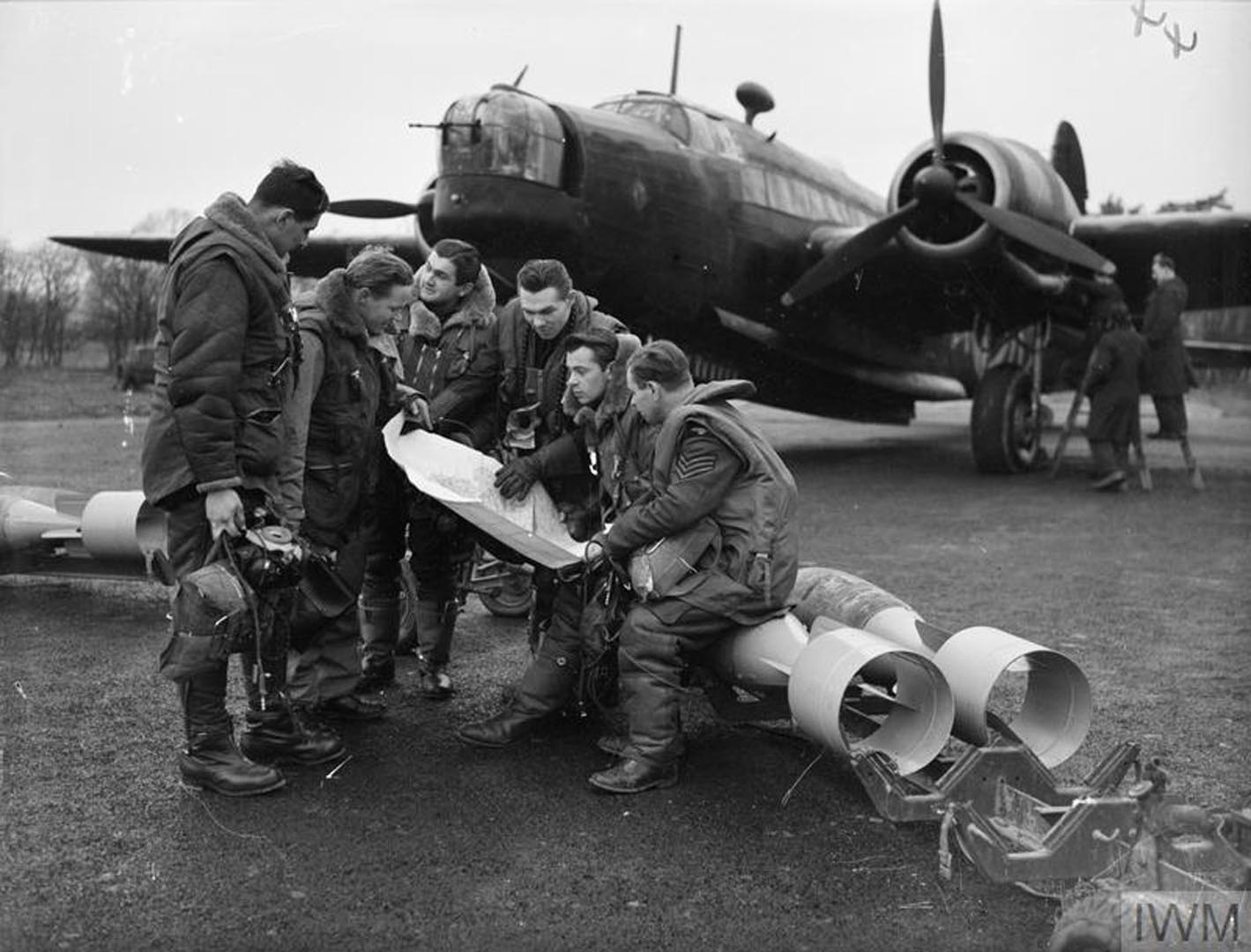 ROYAL AIR FORCE BOMBER COMMAND, 1939-1941.